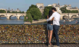 locksoflovebridge